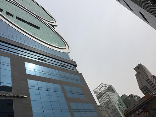 Ultra-modern Gangham architecture (©Deborah Clague/Oblada.com)