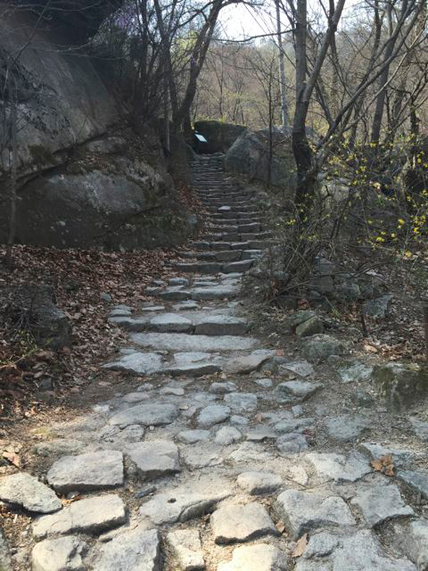 Start of the Mangwolsa Trail at Bukhansan National Park (©Deborah Clague/Oblada.com)