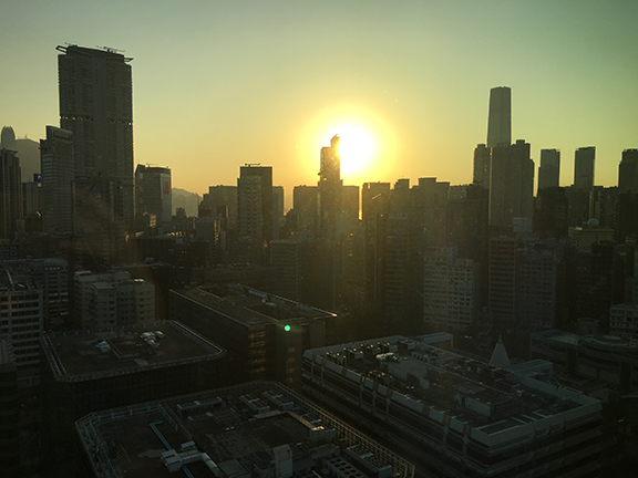 Sunrise over Hong Kong (©Deborah Clague, 2018).