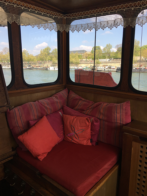 Upper deck sitting area on the Bateau de Johanna de Paris (©Deborah Clague, 2019).