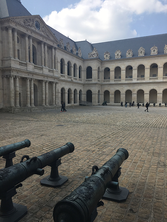Cannons line the courtyard at the Musee de 'Armée , Les Invalides (©Deborah Clague, 2019).