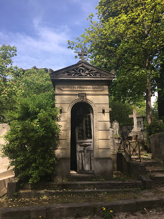 Pére Lachaise Cemetary in Paris, France (©Deborah Clague, 2019).
