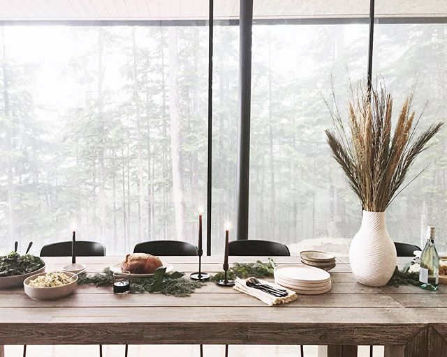Tablescapes have always been one of my favourite things to create. It was a kind of a sweet and surreal moment when I realized that I now get to do this as part of my job 🤭 • • • #lifeatarticle #tablescape #ourarticle  #bts  #interiorinspo #decorcrushing #mood #alifewelllived #visualsoflife #artofvisuals #interiorstyling #visualsvollective #thatsdarling #darlingweekend #slowliving #theartofslowliving #livefolk #liveauthentic #verilymoment