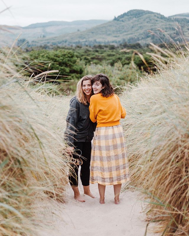 Got to hang with these cuties all weekend! • • • #travelgram #oregon #beachplease #postthepeople #makeportraits #travellog #ourplanetdaily #instapassport #aroundtheworldpix #liveauthentic #thegreatoutdoors #landscapephotography #visualsvollective #thatsdarling #darlingweekend #slowliving #theartofslowliving #livefolk #liveauthentic #verilymoment #weekend