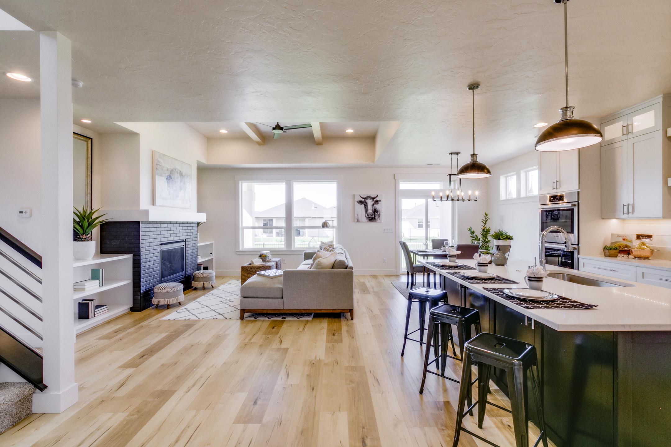Kitchen_Living.jpg
