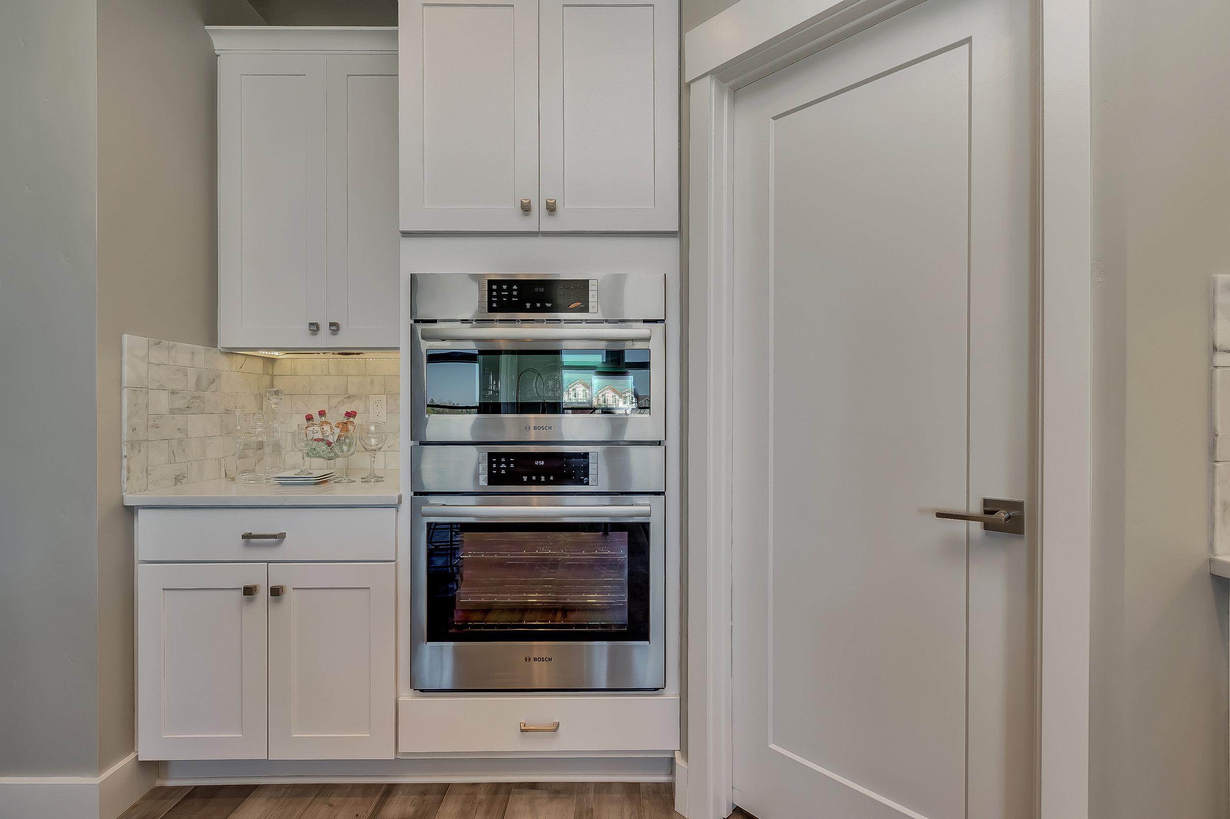 031_Kitchen .jpg