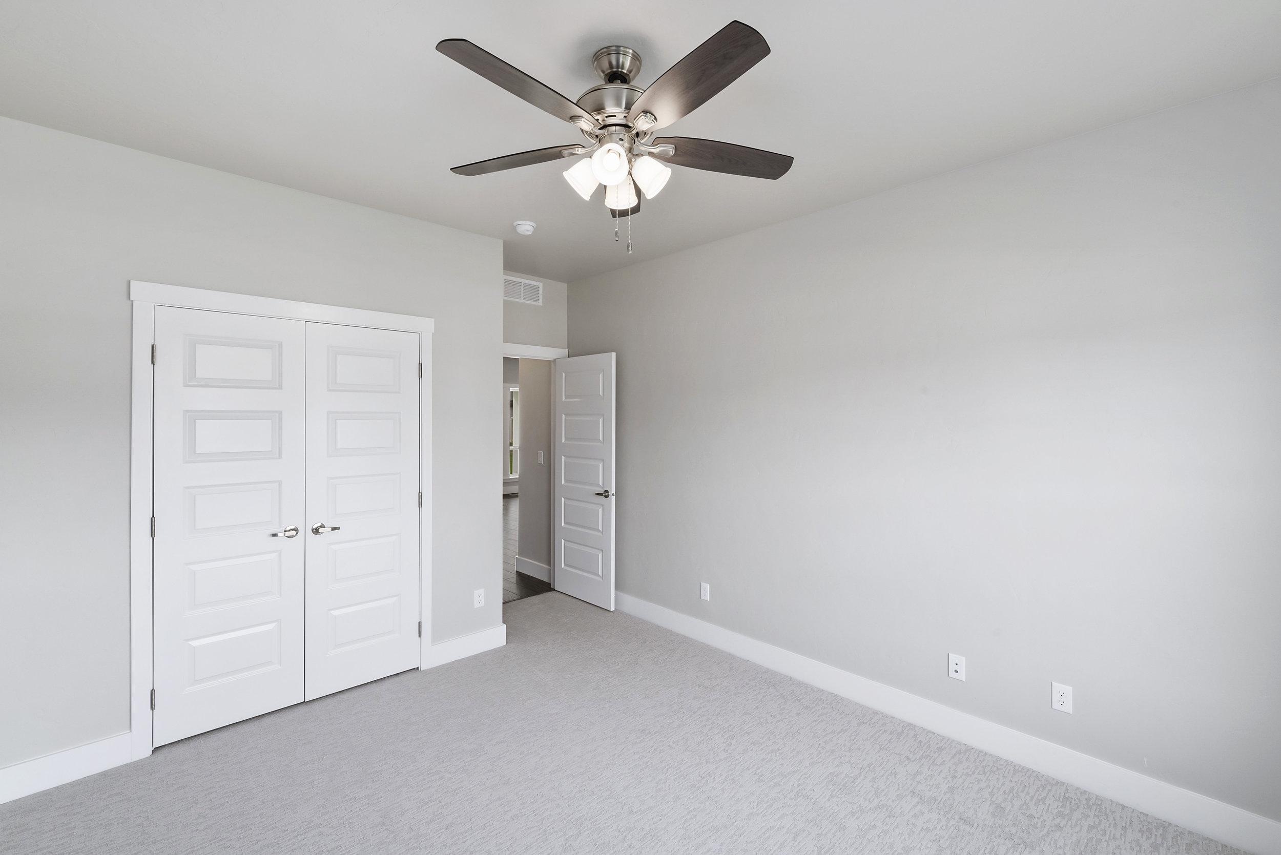 22-Bedroom.jpg