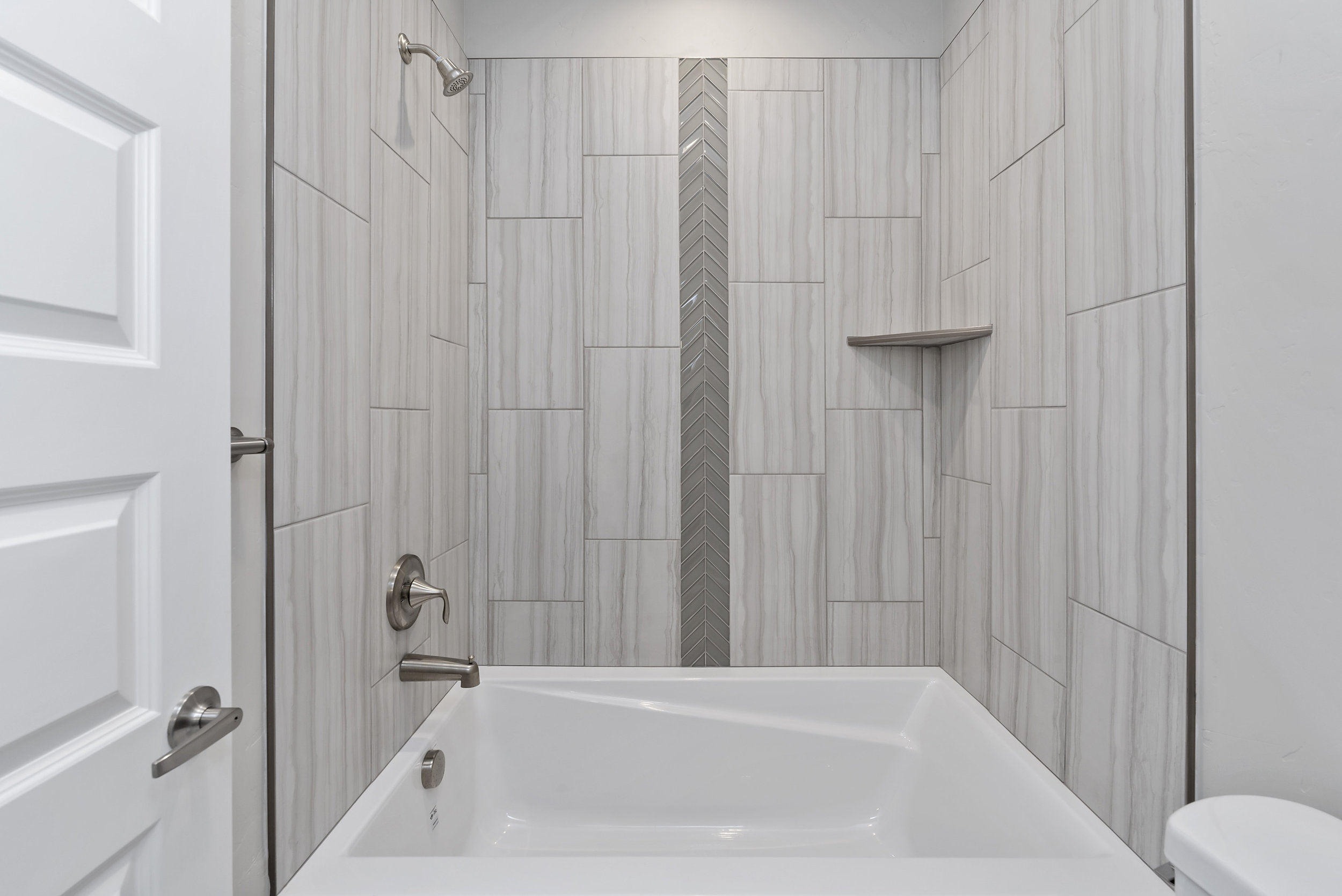 24-Bathroom.jpg