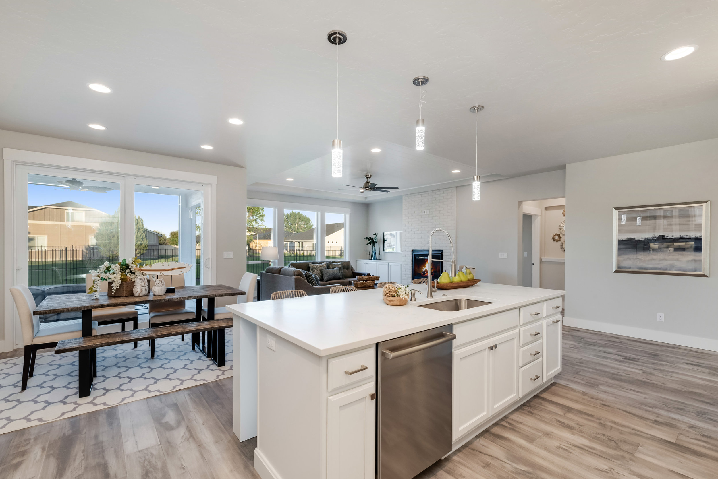 14-Kitchen and Dining.jpg