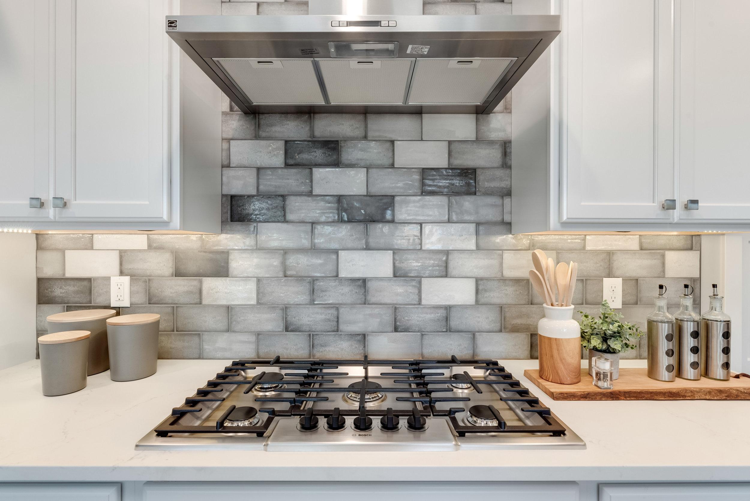 18-Kitchen Detail.jpg