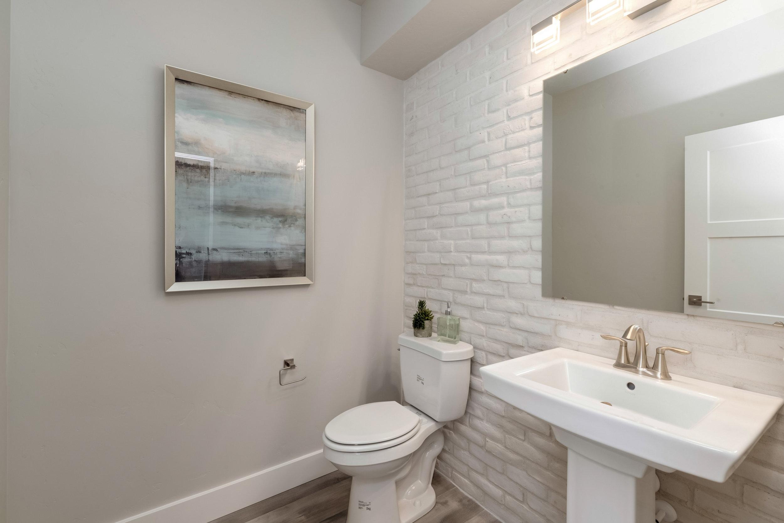 26-Bathroom.jpg