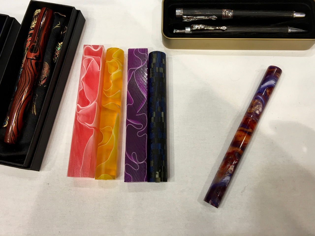Twiss Pens table and some of the acrylic rods - gorgeous!