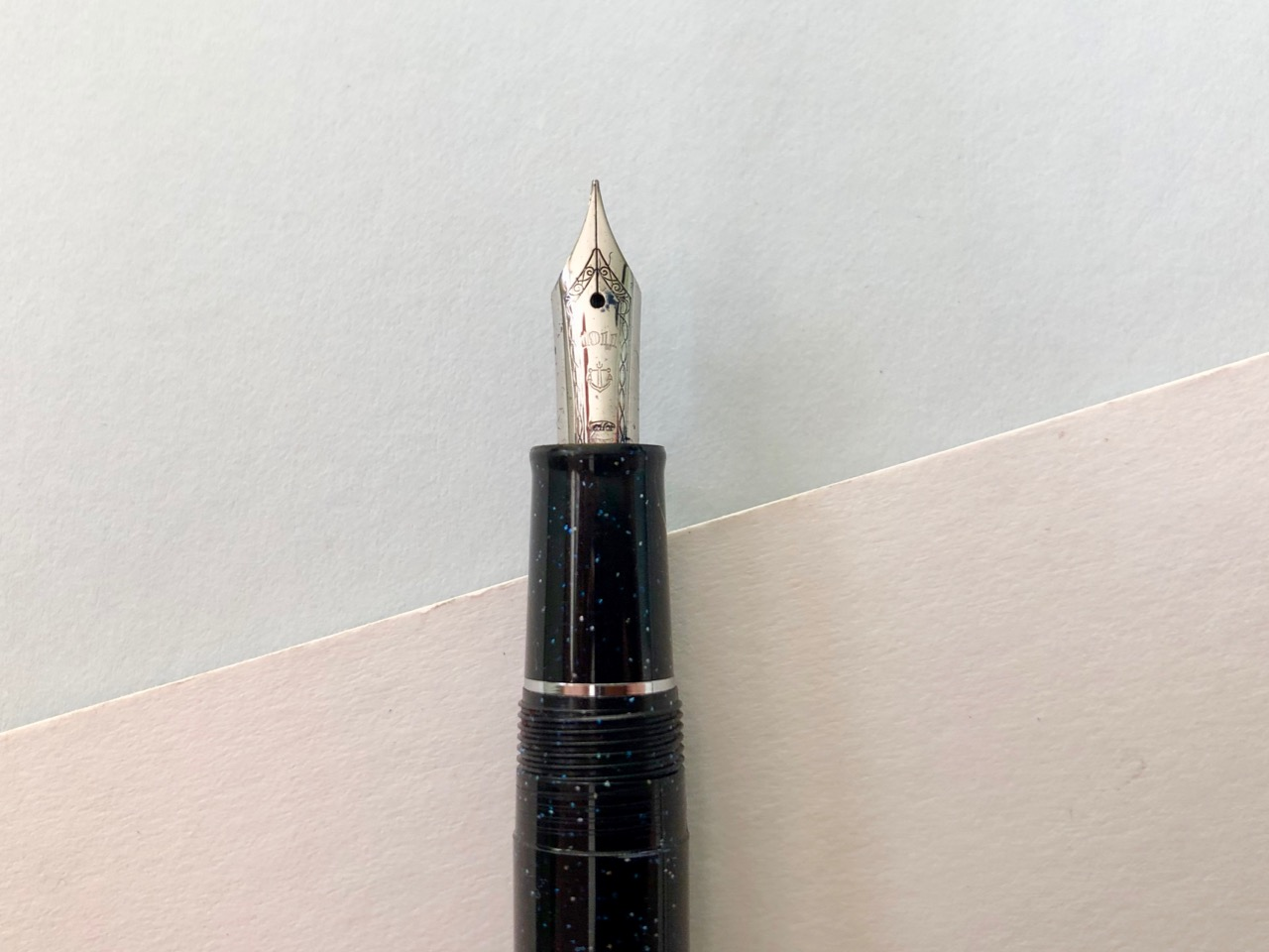 Sailor flourishes on the nib