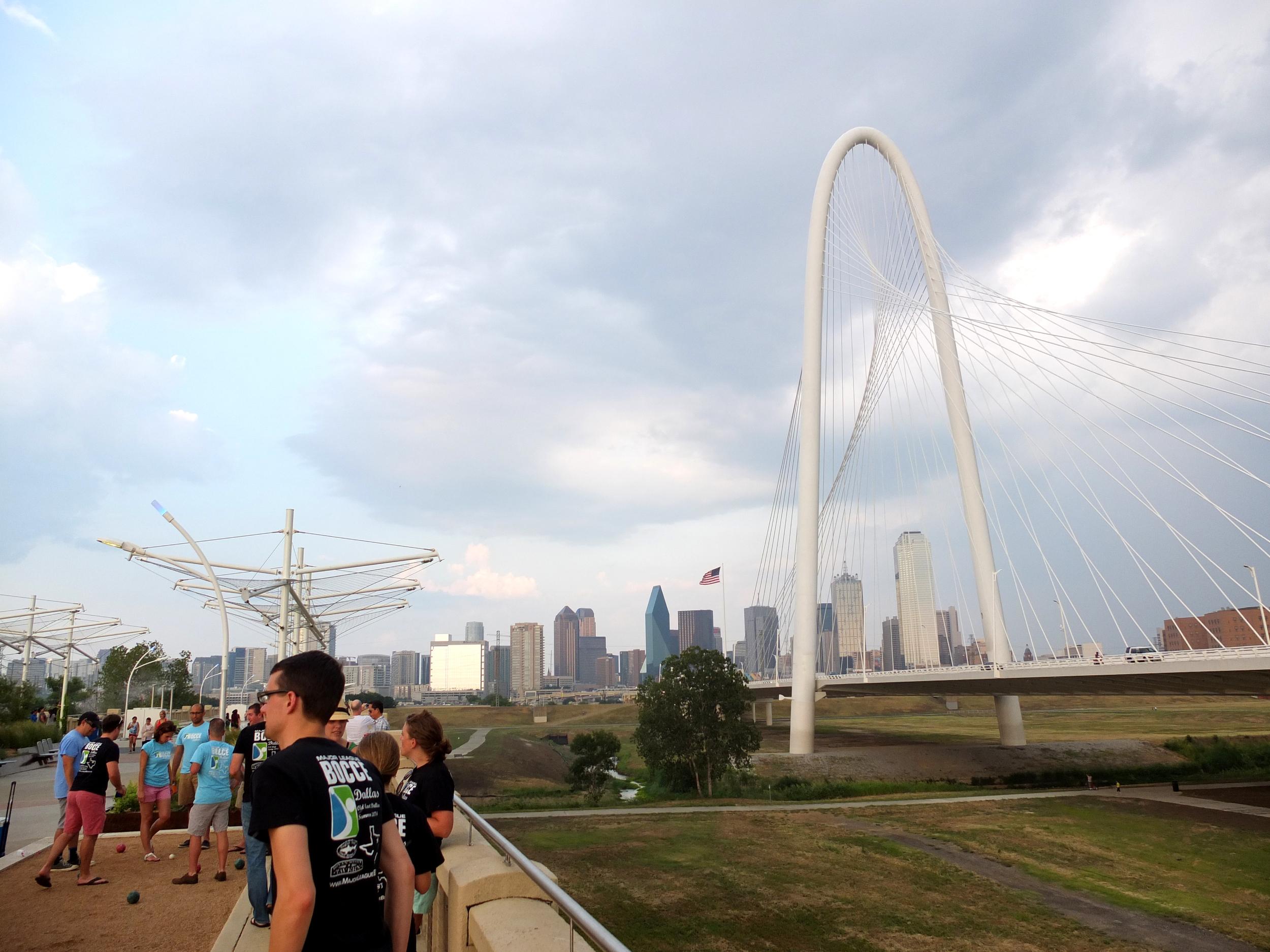 The Continental Bridge runs just parallel to the often polarizing but undeniably striking Calatrava bridge.