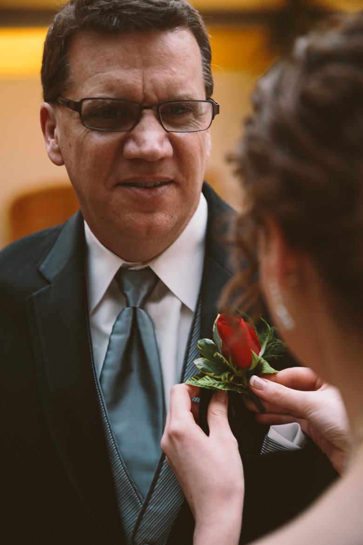 akron-ohio-wedding-photographer_nicole-jason-40.jpg