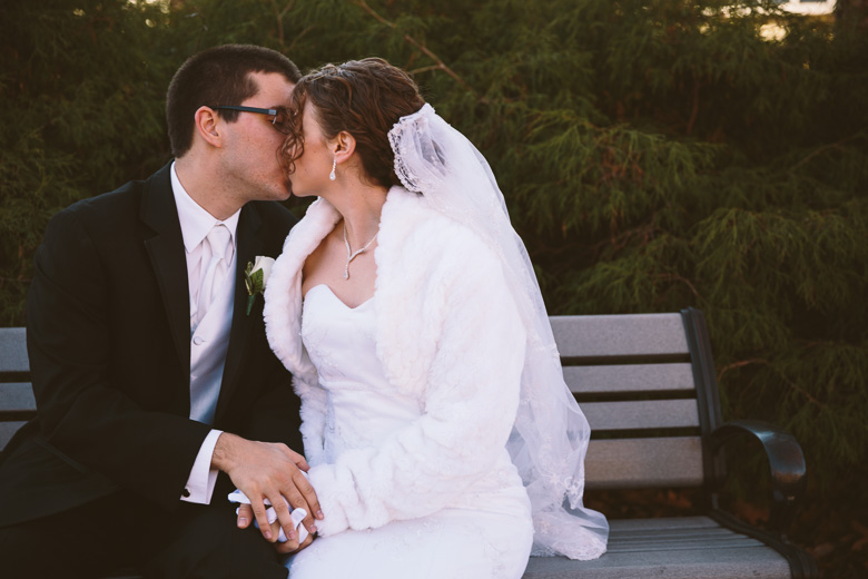 akron-ohio-wedding-photographer_nicole-jason-48.jpg