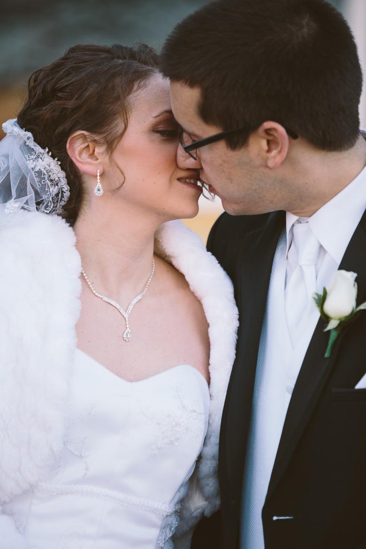 akron-ohio-wedding-photographer_nicole-jason-55.jpg
