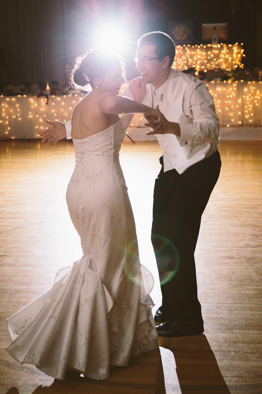 akron-ohio-wedding-photographer_nicole-jason-98.jpg