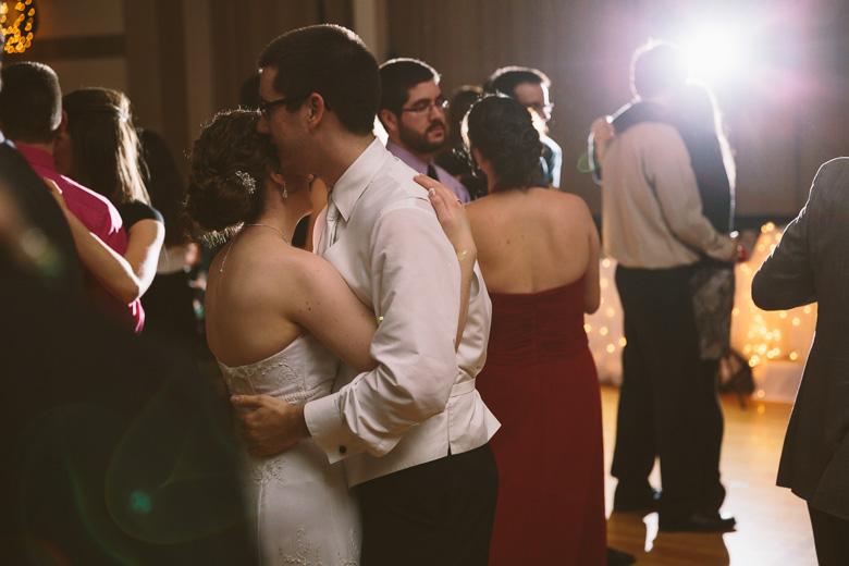 akron-ohio-wedding-photographer_nicole-jason-107.jpg