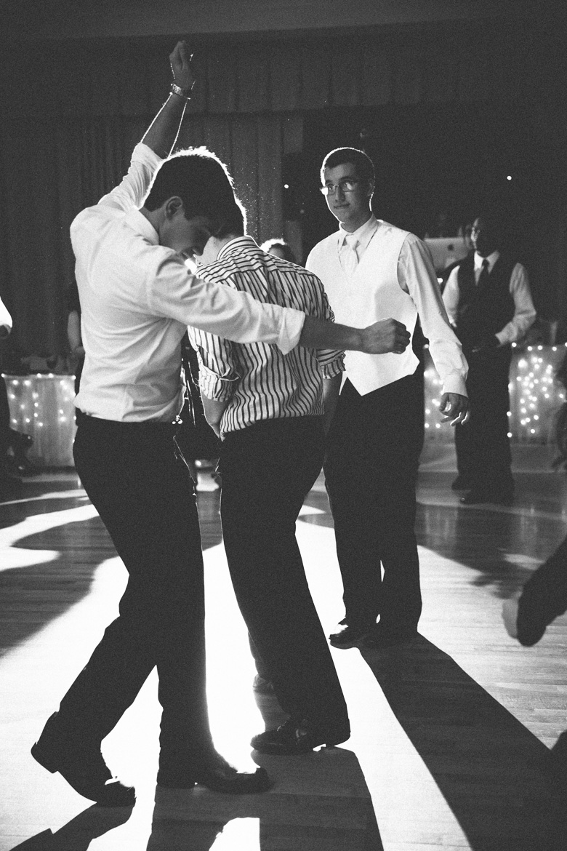 akron-ohio-wedding-photographer_nicole-jason-110.jpg