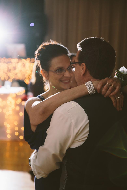 akron-ohio-wedding-photographer_nicole-jason-121.jpg