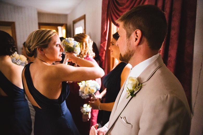 cleveland-wedding-photographer_amy-adam-20.jpg