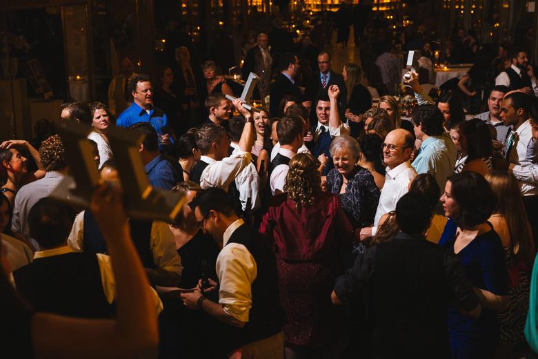 cleveland-wedding-photographer_amy-adam-60.jpg