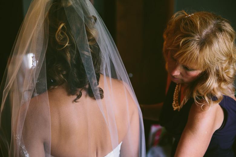 west-lake-ohio-wedding-photography_melissa-matthew-15.jpg