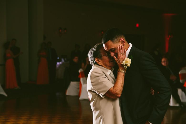 cleveland-ohio-wedding-photographer_brittany-elvis-149.jpg