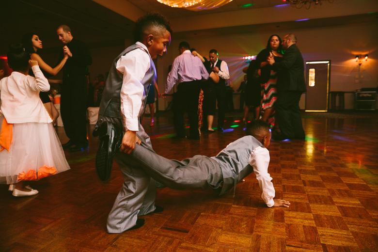 cleveland-ohio-wedding-photographer_brittany-elvis-168.jpg