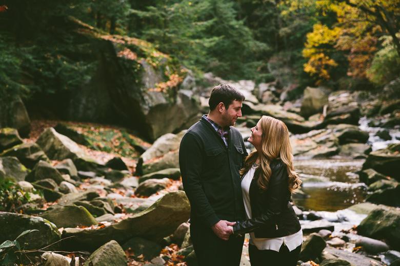 brecksville-ohio-engagement-photography_kristina-tyler-30.jpg