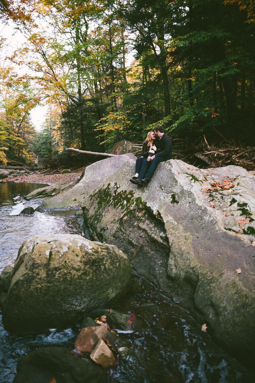 brecksville-ohio-engagement-photography_kristina-tyler-38.jpg