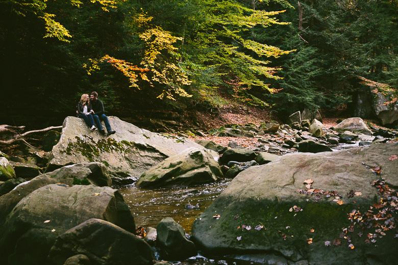 brecksville-ohio-engagement-photography_kristina-tyler-43.jpg