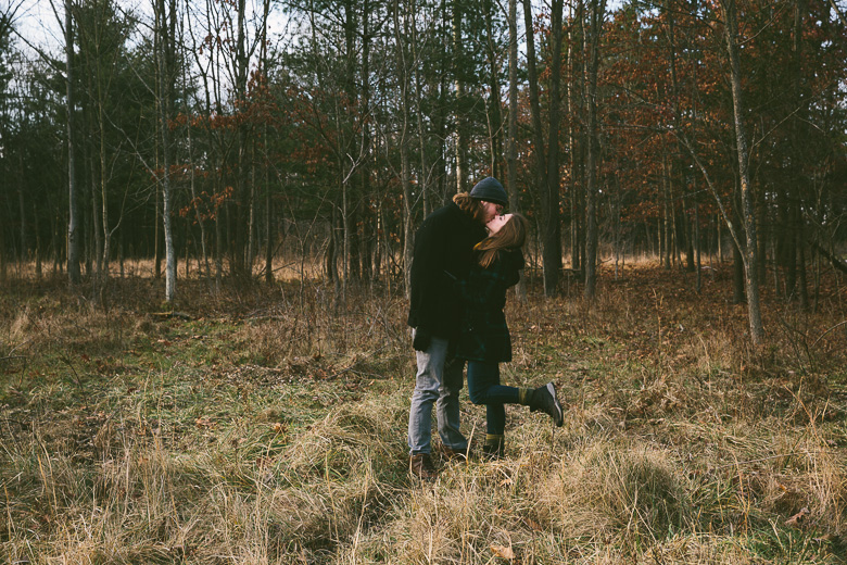 brecksville-ohio-engagement-photography_katy-nate-1.jpg