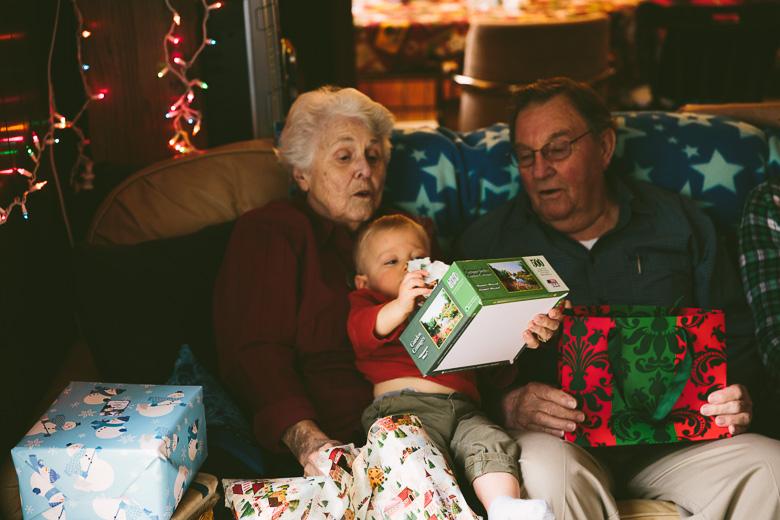 akron-ohio-family-photography-hunsaker-christmas-4.jpg