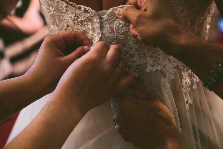 columbia-station-ohio-wedding-photography-whitehall-jenni-ian-20.jpg