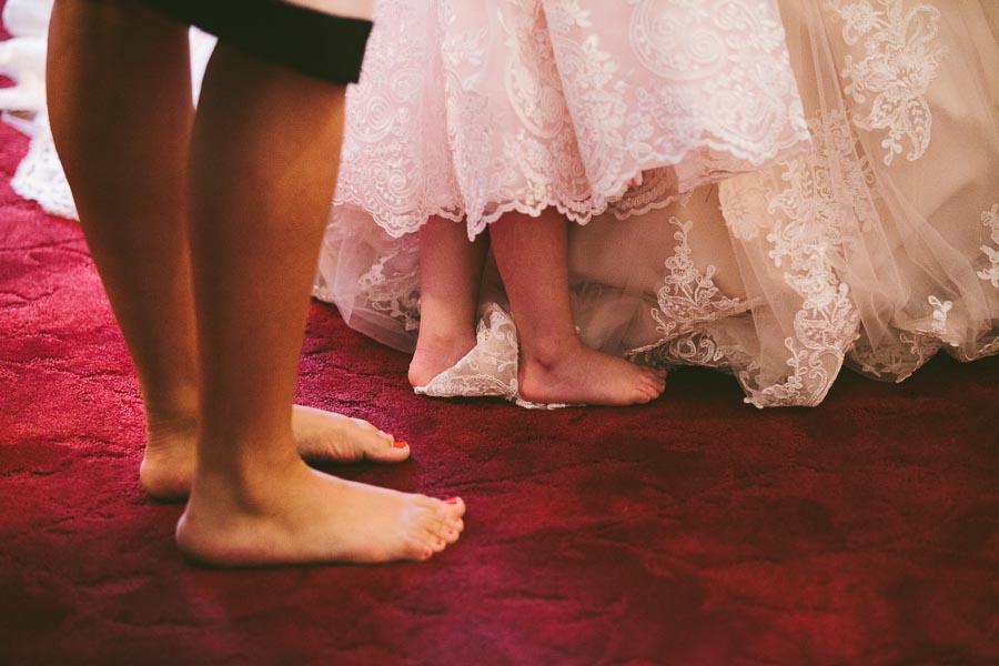columbia-station-ohio-wedding-photography-whitehall-jenni-ian-37.jpg