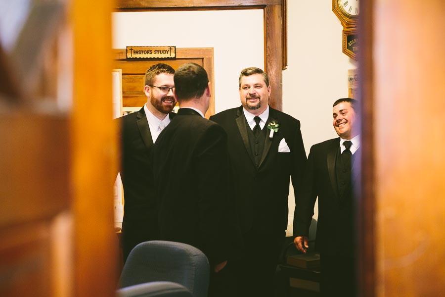 columbia-station-ohio-wedding-photography-whitehall-jenni-ian-52.jpg