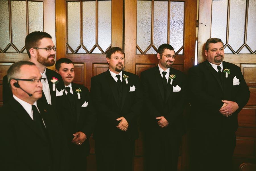 columbia-station-ohio-wedding-photography-whitehall-jenni-ian-64.jpg