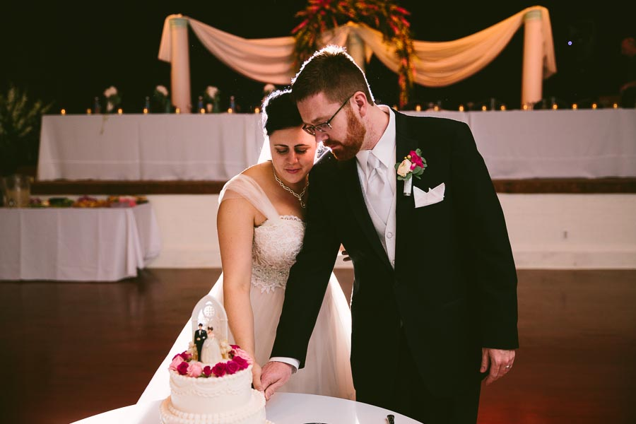 columbia-station-ohio-wedding-photography-whitehall-jenni-ian-134.jpg