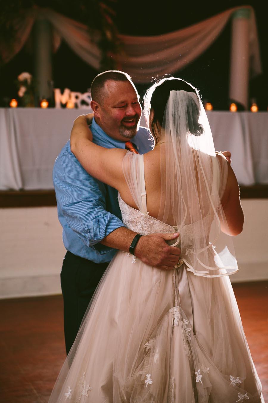 columbia-station-ohio-wedding-photography-whitehall-jenni-ian-139.jpg