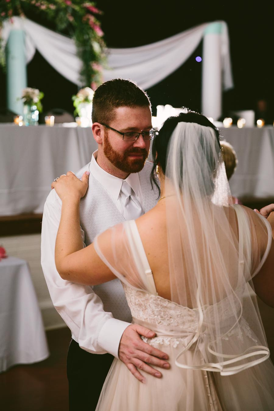 columbia-station-ohio-wedding-photography-whitehall-jenni-ian-152.jpg