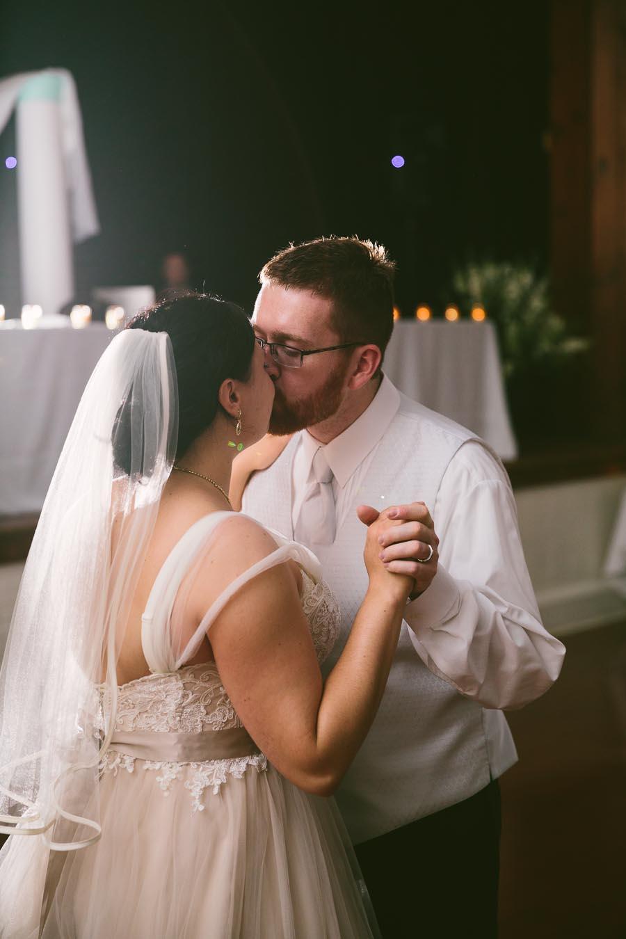 columbia-station-ohio-wedding-photography-whitehall-jenni-ian-153.jpg