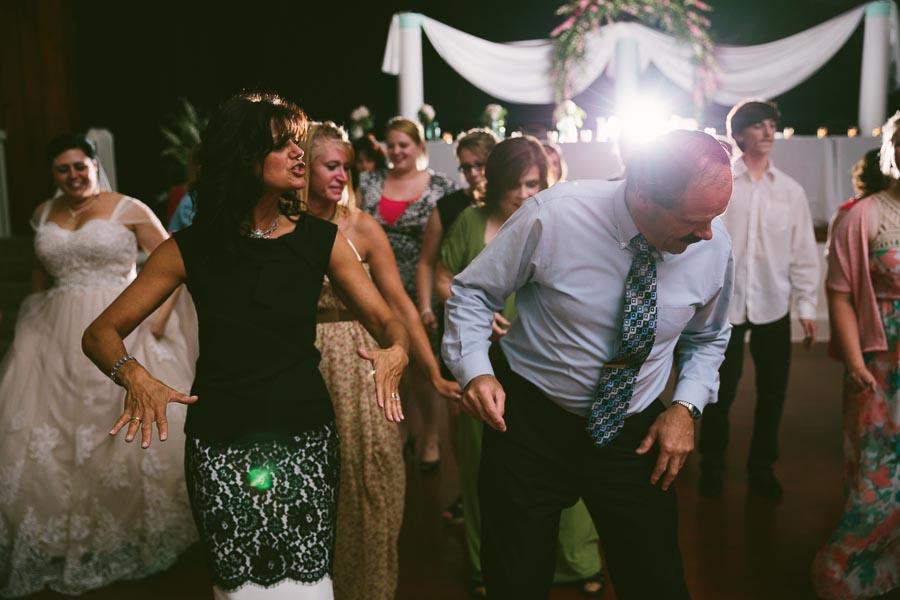 columbia-station-ohio-wedding-photography-whitehall-jenni-ian-157.jpg