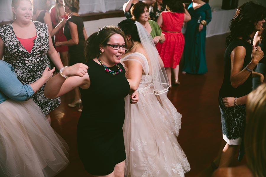 columbia-station-ohio-wedding-photography-whitehall-jenni-ian-158.jpg