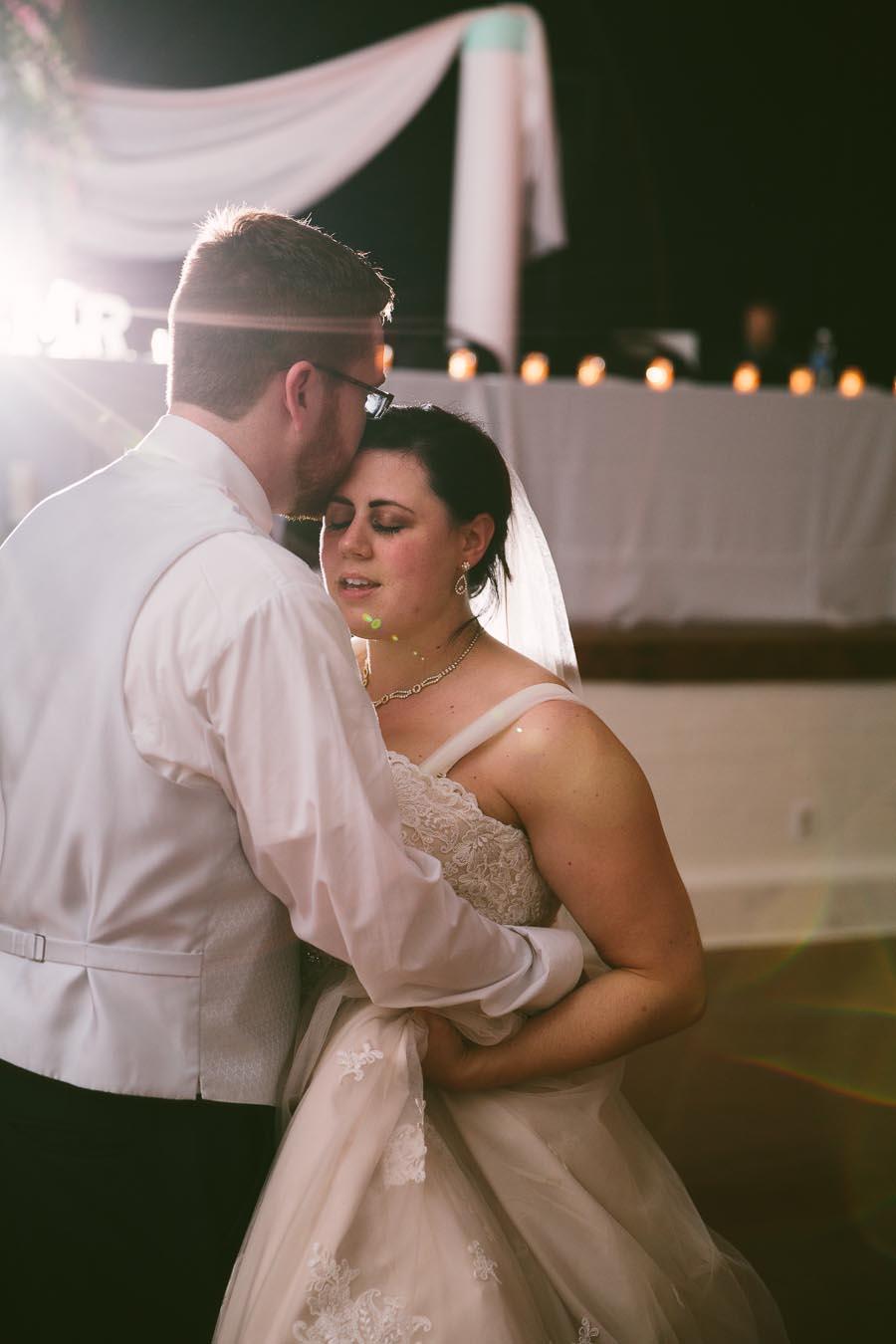 columbia-station-ohio-wedding-photography-whitehall-jenni-ian-165.jpg