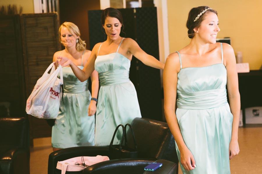 north-olmstead-wedding-photography-at-rubys-grafton-33.jpg