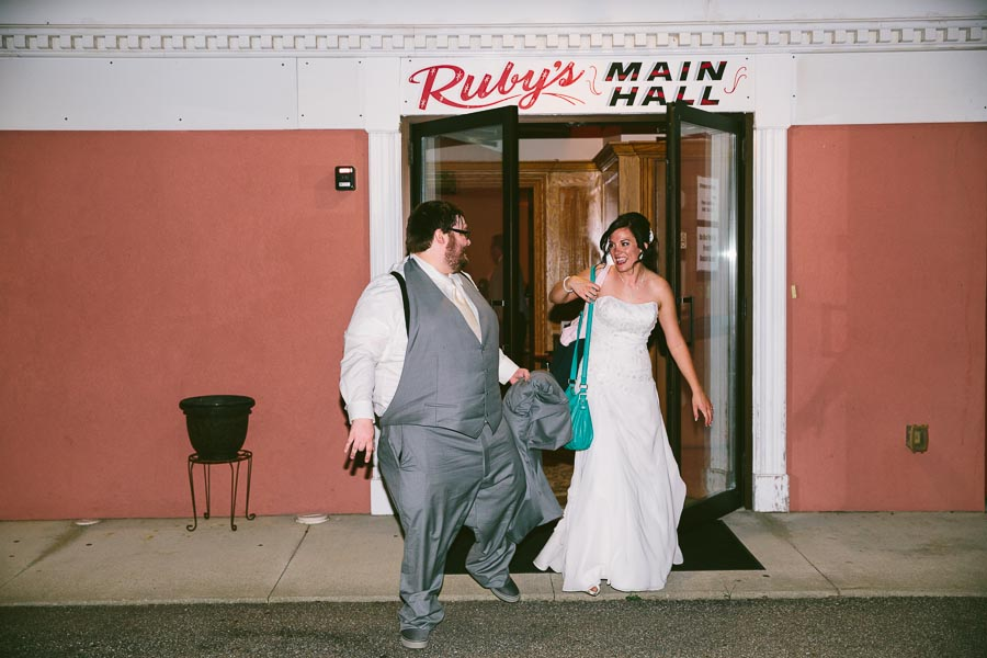 north-olmstead-wedding-photography-at-rubys-grafton-156.jpg