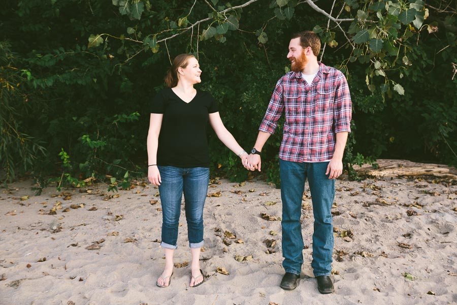 cleveland-oh-engagement-photgraphy-edgewater-park-lake-erie-kim-mike-6.jpg