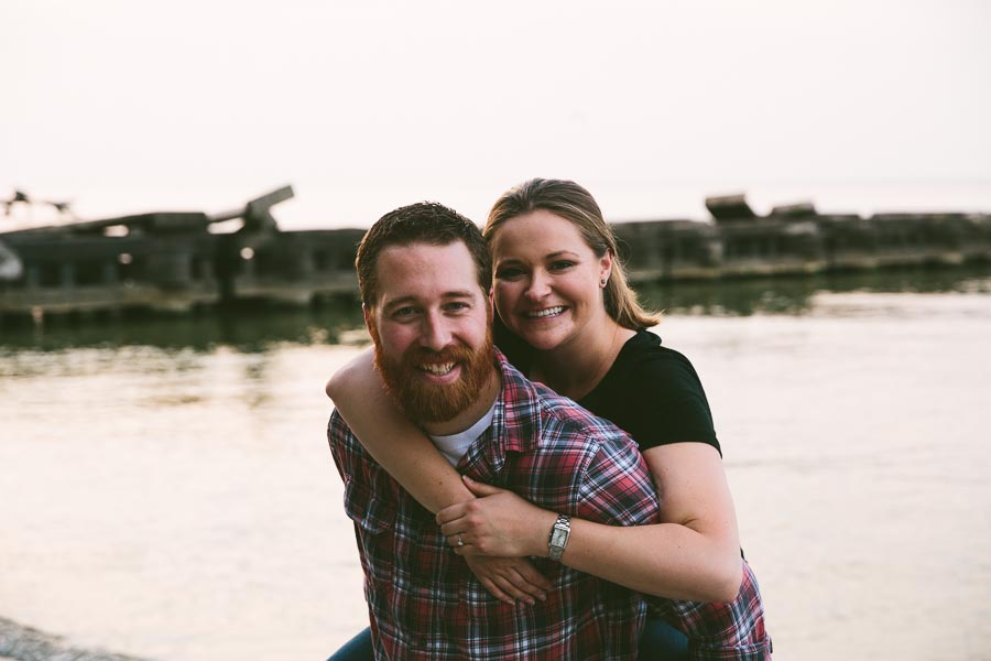 cleveland-oh-engagement-photgraphy-edgewater-park-lake-erie-kim-mike-31.jpg